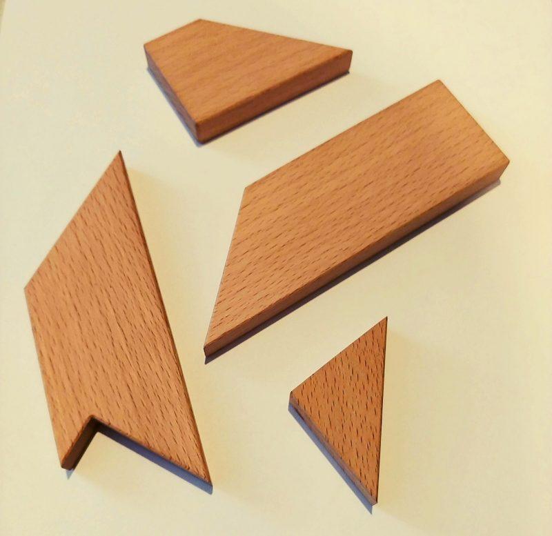 Cztery drewniane puzzle, czyli jak zająć dziecko na dłuższy czas i wspierać rozwój życiowych umiejętności